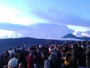 Paket Wisata Bromo Midnight Tour Sunrise Gunung Bromo Sehari Murah